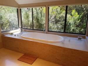 Jarrah Grove Forest Retreat - Victoria Tourism