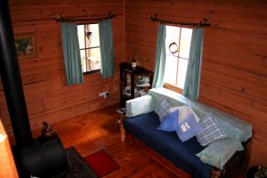 Cradle Mountain Love Shack - Victoria Tourism